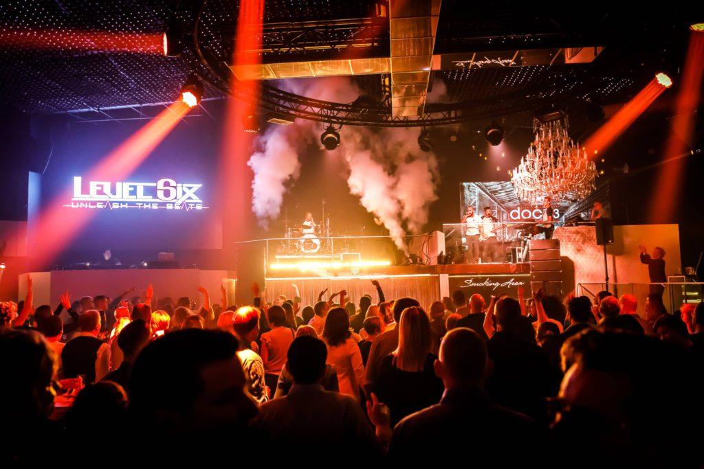 DOCK 3 - Events hosten